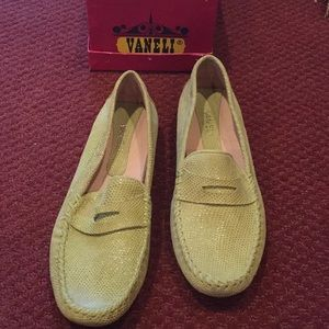 Vaneli Lime Shoes New in Box